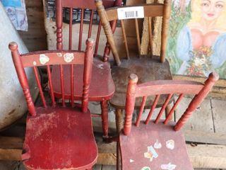 4 CHIlDS CHAIRS