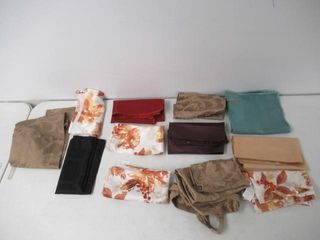 lot Of Various Napkins   Dining Room Chair Covers
