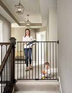Regalo Extra Tall 2 in 1 Stairway and Hallway Walk