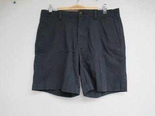 Essentials Men s 33 Slim Fit 7  Short  Navy