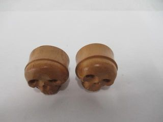1  Bamboo Carved Skull Plugs