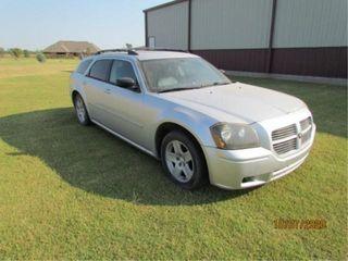 2005 Dodge Magnum SXT  139 000 miles