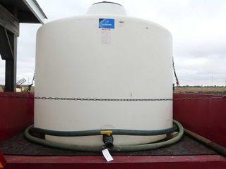 1300 Gallon Poly Tank w Qty  of Hose
