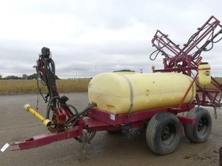 Hardi 500 Gallon Sprayer w 42ft Boom