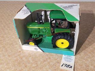 Ertl John Deere 4255 tractor
