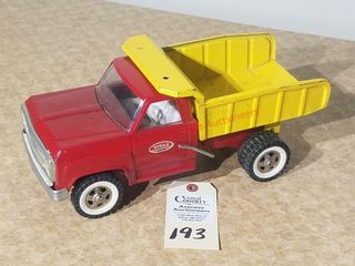 Tonka dump truck red