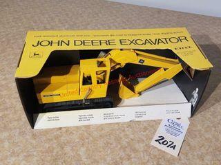Ertl John Deere yellow excavator