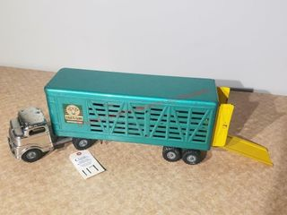 1950s Structo Farms green cattle trailer