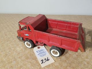 Structo 1950s red dump truck