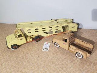 Vintage Tonka car hauler