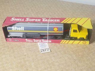 Ertl Shell Super Tanker NIB