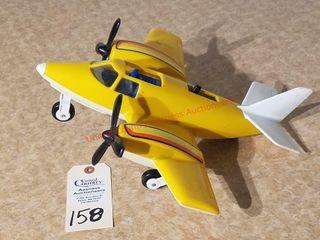 Tonka plastic airplane with retractable wheels