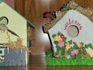 2 Bird Houses