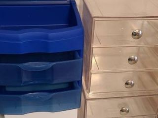 4 Storage Drawers  Clear ones are 6 x 6 x 6