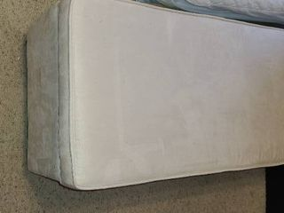 Storage Ottoman  White 17 5 x 42 x 18