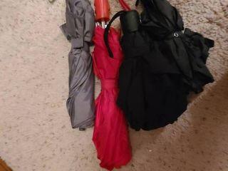 4 Umbrellas