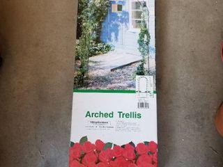 Arched trellis