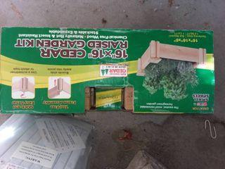 Cedar Raised Garden Kit 16 x 16 in
