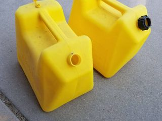 5gl gas cans  no funnels