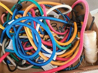 BUNGEE CORDS  Approximately 16 TO 18 PCS