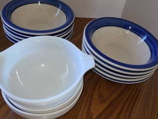 Bowls  13 Total  10 are Blue and White  the other 3 are all white