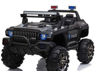 Aosom 12V Ride Police Truck w  Remote Control  3 Speeds  lED light Bar  Audio Input   Black