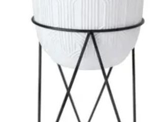 12 5  H White Patterened Cement Plant Pot in Metal Stand