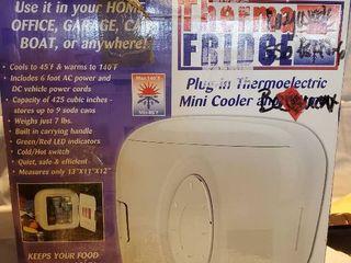 lentek Therma Fridge Plug In ThermoEletric Mini Cooler and Warmer  NIB