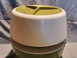 RUBBERMAID Avocado Green Retro Multi Container Carousel