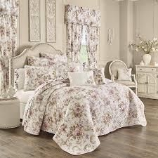 The Gray Barn Warwick Classic Floral 3 Piece Quilt Set  Retail 129 99