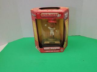 MARK MCGWIRE COMMEMORATIVE FIGURE DISPlAY CASE INClUDED
