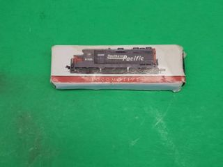 SOUTHER PACIFIC lOCOMOTIVE Die Cast