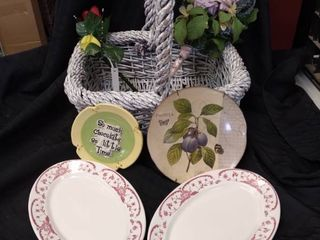 Decor lot Including Basket   Plates