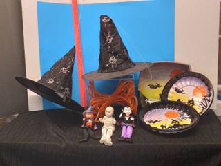 Halloween Decor   Platters lot
