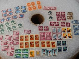 lot of Over 90 Assorted Stamps   All United Nations Stamps