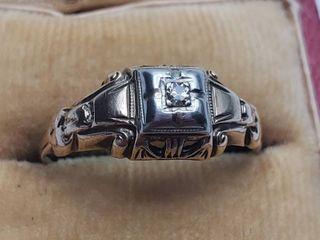 10K Yellow   White Gold Vintage Victorian Ring   Size 6 5   1 2 grams