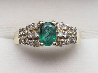 14K Yellow Gold Emerald and Diamond Ring   Size 6 1 2   3 1 grams