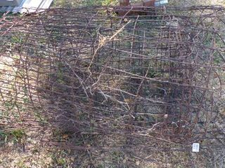 APPROX  35  ANTIQUE FENCE WIRE