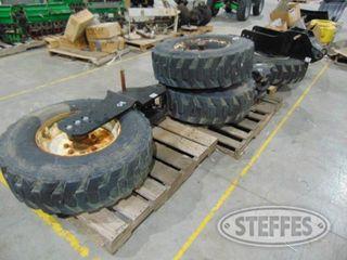 (4)-305-70R19-5-tires---mounts-_1.jpg