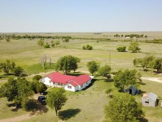 Tract  4   Home  Barns  Pens and 32 acres Texas Co
