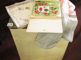 laundry Hamper  I Handkerchief in box   3