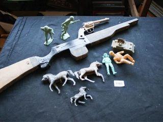 Army Men  Tank  Horses  8  Wooden rifle