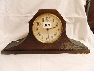 Garland Mantle Clock