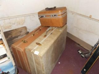 Suitcases  3  Taperlite  Samsonite