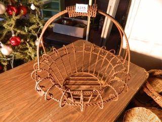 Wire Basket  Rust  w handle
