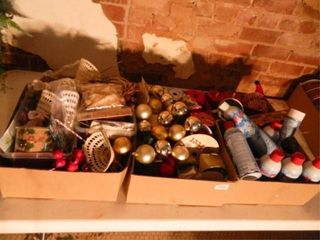 Christmas Decor  3 Boxes  Assorted