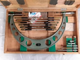 12 18  Interchangeable Anvil Micrometer 104