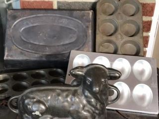 Griswold Cast Iron lamb Mold   4  Baking Tins