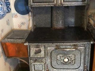 Home Comfort Cast Iron Stove