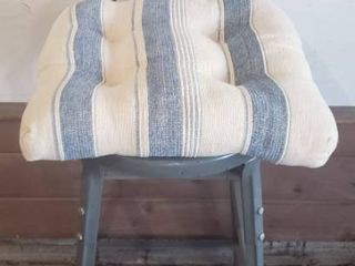 Metal Shop Chair w Cushion   42 in  tall and 14 in  Seat